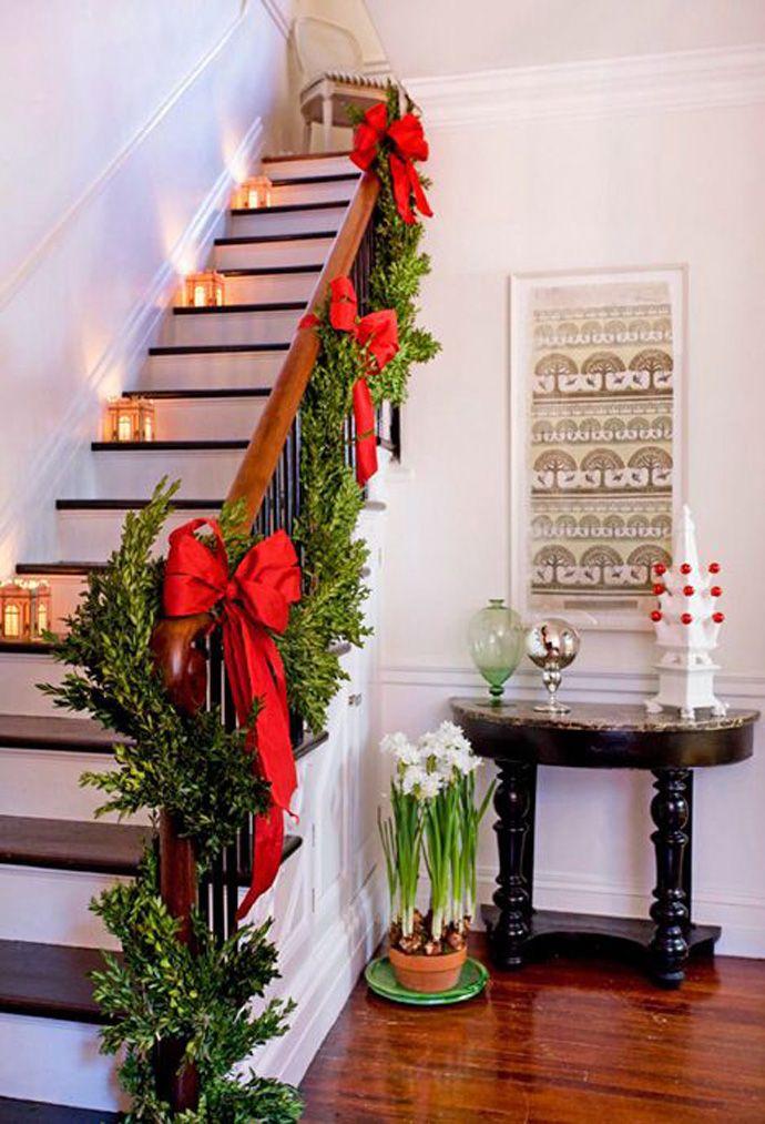 christmas-staircase-decoration-ideas
