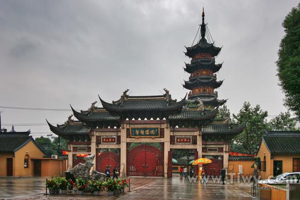 longhua temple shanghai