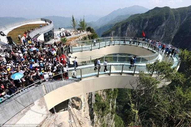 china-longest-glass-skywalk