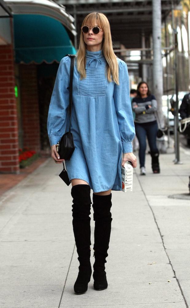 denim dress fall outfit ideas 1